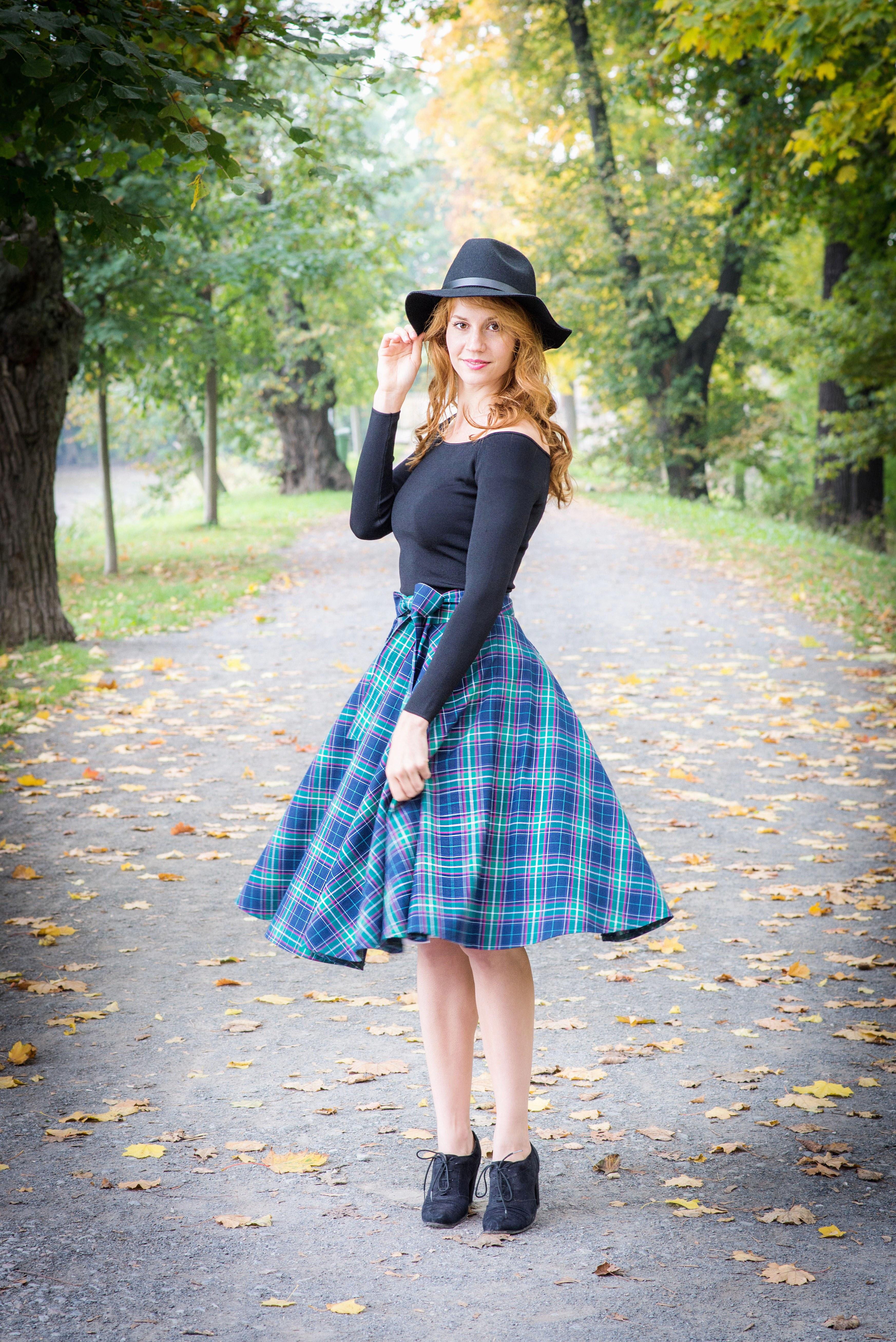 Retro šaty kdekoliv a kdykoliv - Mia Bella 4a9b828945